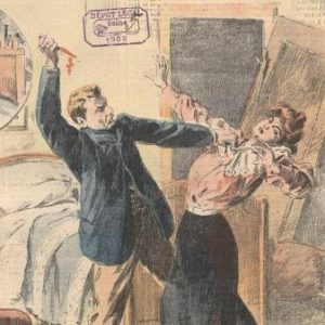 C'est un dessin représentant un fait-divers de la Belle-Epoque. La scène se passe dans une chambre à coucher, devant un lit. Un homme agresse une femme ; d'une main il la tient au collet, et de l'autre il brandit un poignard. L'homme a les cheveux blonds et porte une moustache. Il est habillé d'un pantalon beige et d'une veste noire. La femme porte une jupe noire et une blouse rose à manches longues. Ses cheveux sont roux. A l'arrière-plan on voit que la porte a été défoncée. L'homme a l'air furieux. La femme a une expression très pathétique. Toute la scène est un peu artificielle ; elle en appelle au pathos du lecteur du journal.